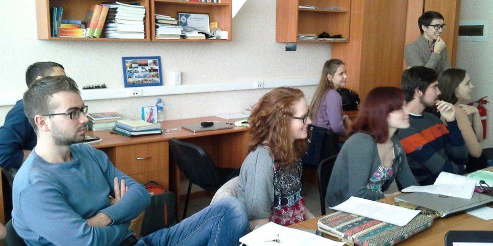 Помощь в решении задач по физике онлайн специфика решения учебной задачи